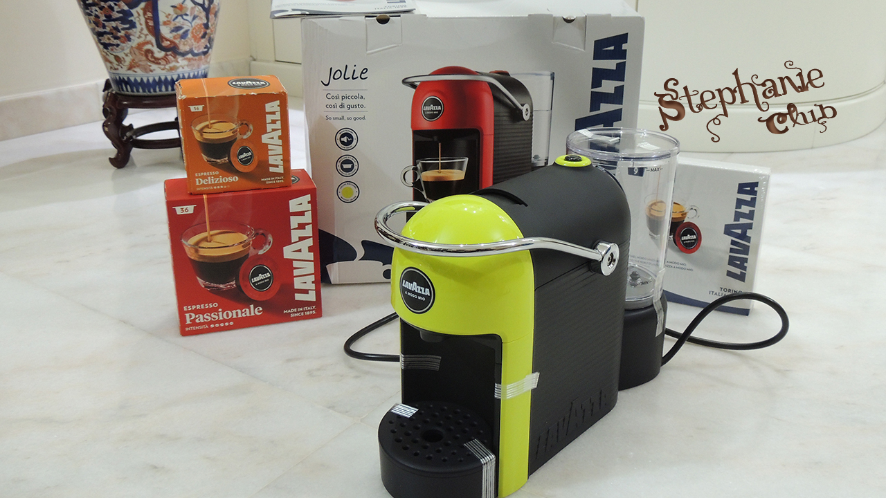 La macchina per caffè Lavazza Jolie A Modo Mio