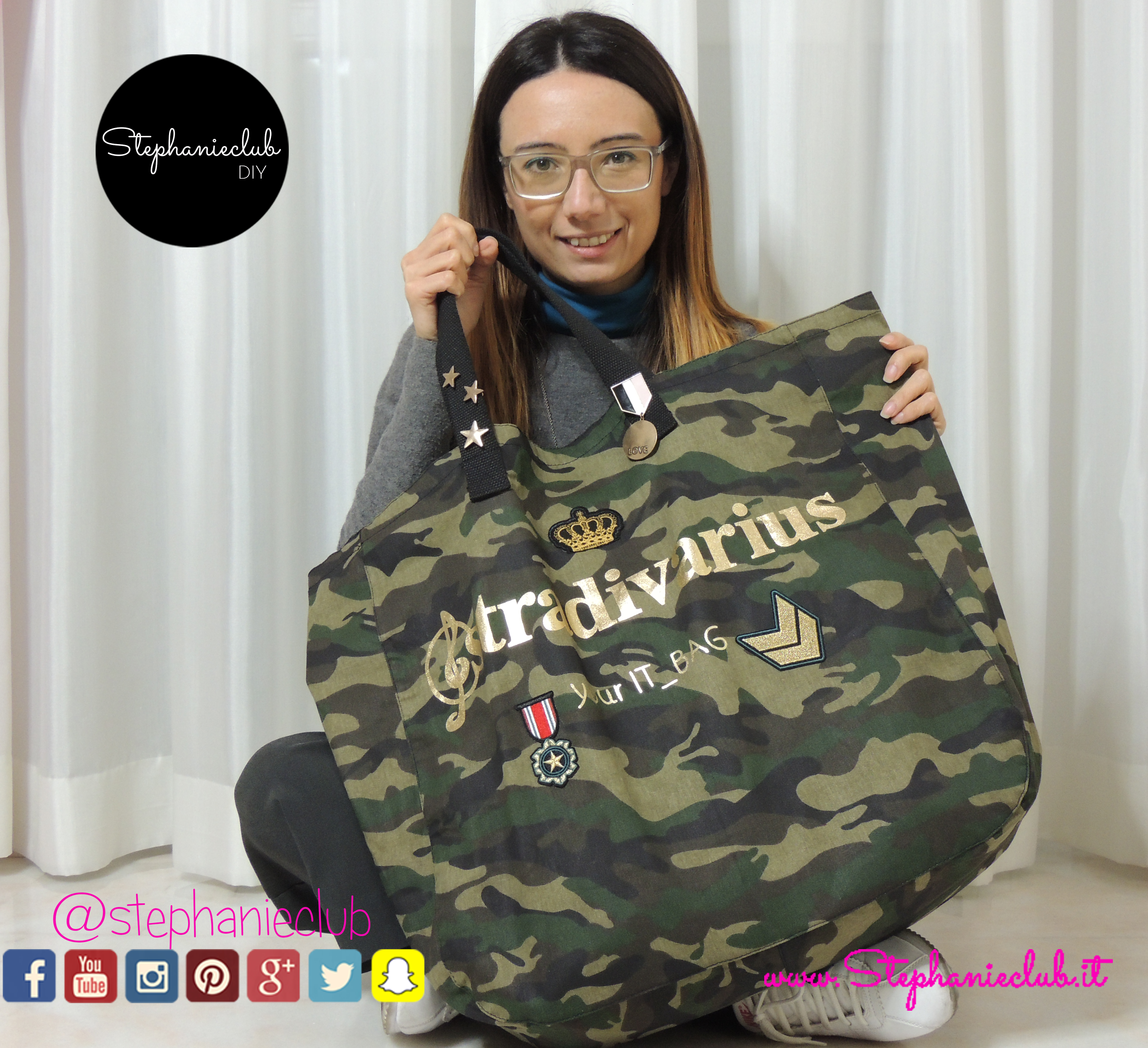 Come decorare una shopping bag con patch Stradivarius e pin Bershka_03